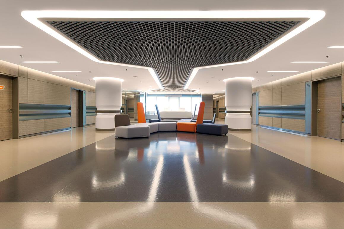 Болница Лив 12